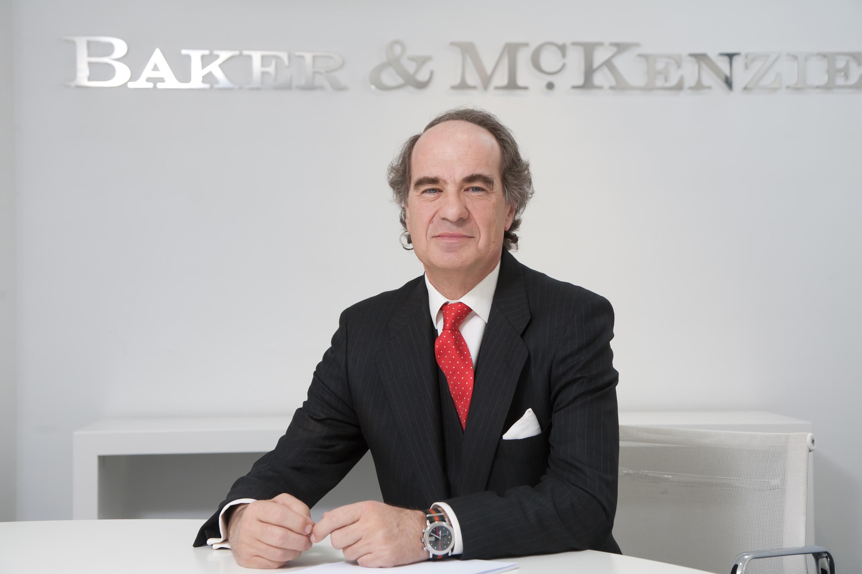 José María Alonso, Baker & McKenzie