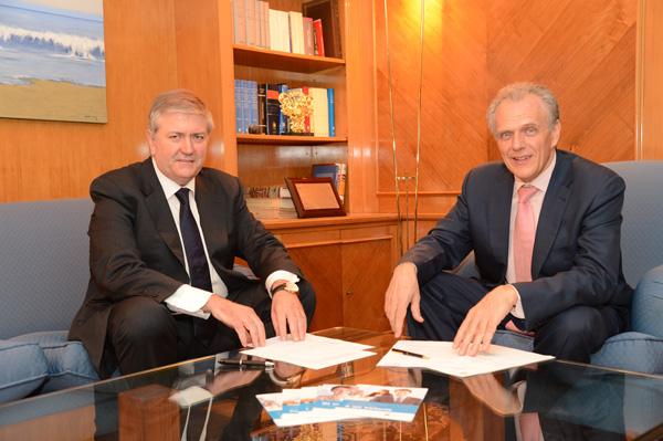 El vicepresidente, Joan Carles Ollé y el presidente, José Manuel García Collantes, en la primera reunión mantenida esta mañana tras el acuerdo de ayer tarde